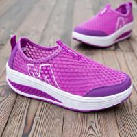 Женская спортивная обувь из дышащей сетки