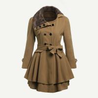 Модное пальто с оборкой