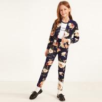 Цветочные брюки и пиджак с шалевым вырезом