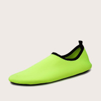 Мужские водные туфли цвета неонового лайма