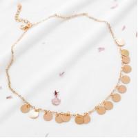 Золотистое модное ожерелье
