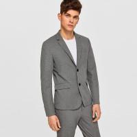 Мужской серый пиджак с пуговицами и клиновидным