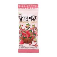 Миндаль обжаренный Kukje Tom's Farm Strawberry Almond